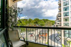 32_balcony1