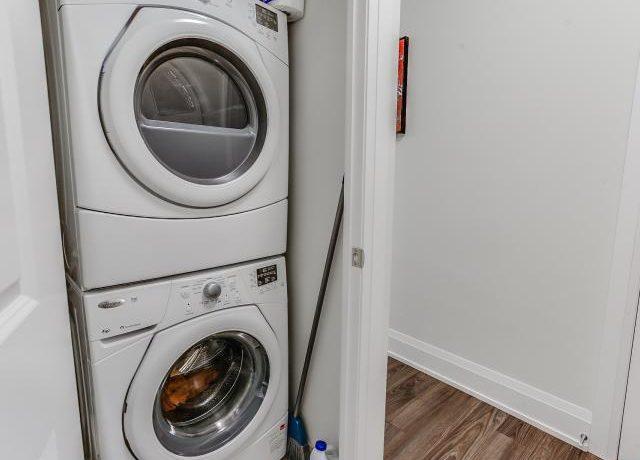 34_laundryroom1