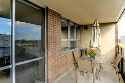 35_balcony2