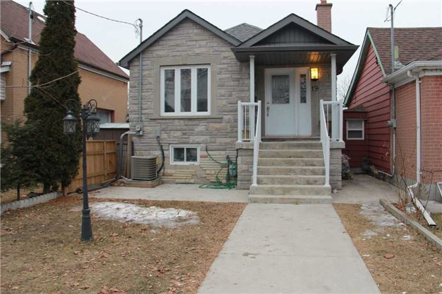 19 Batavia Ave, Toronto