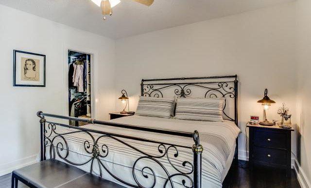 23_master_bedroom1