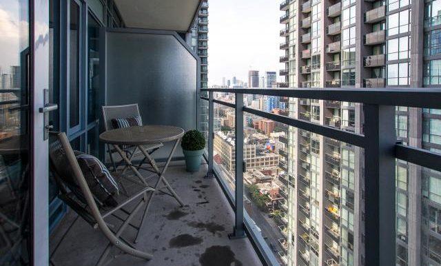 16_balcony1