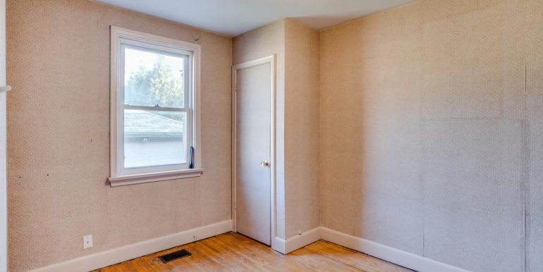 18_third_bedroom1