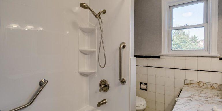 21_bathroom2