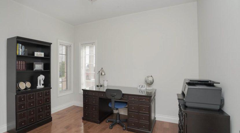 24_thirdbedroom
