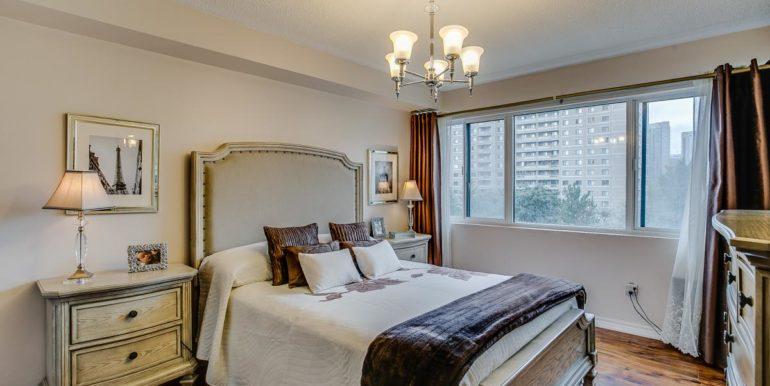 29_master_bedroom1