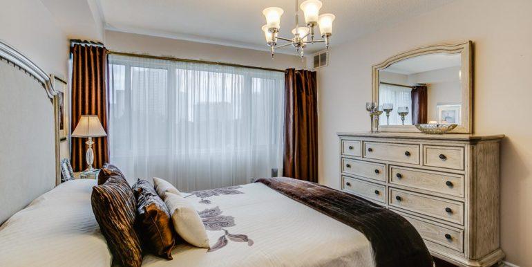 33_master_bedroom5
