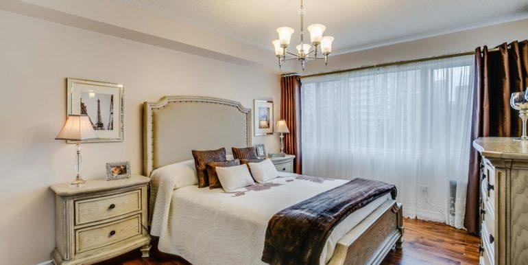 34_master_bedroom6