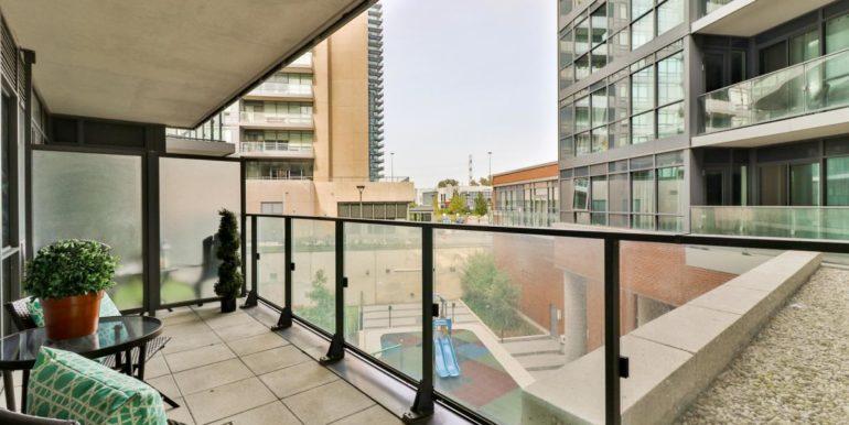 30_balcony