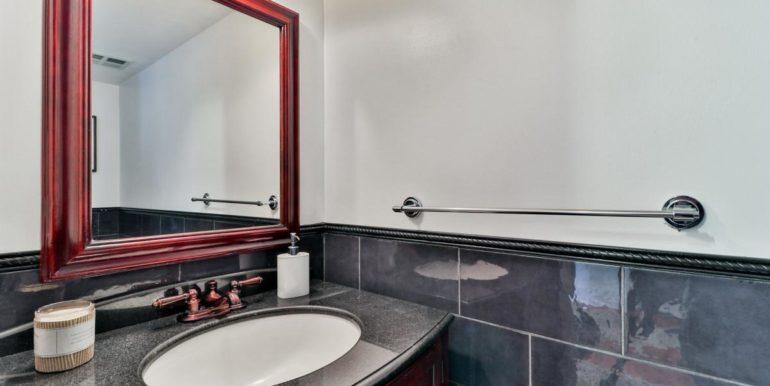 29_secondbathroom