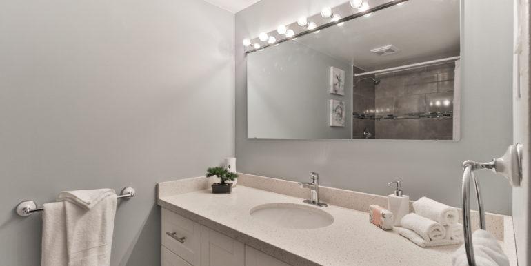 31_Second Bathroom