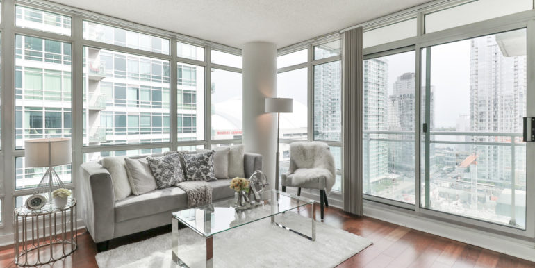5_Living Room