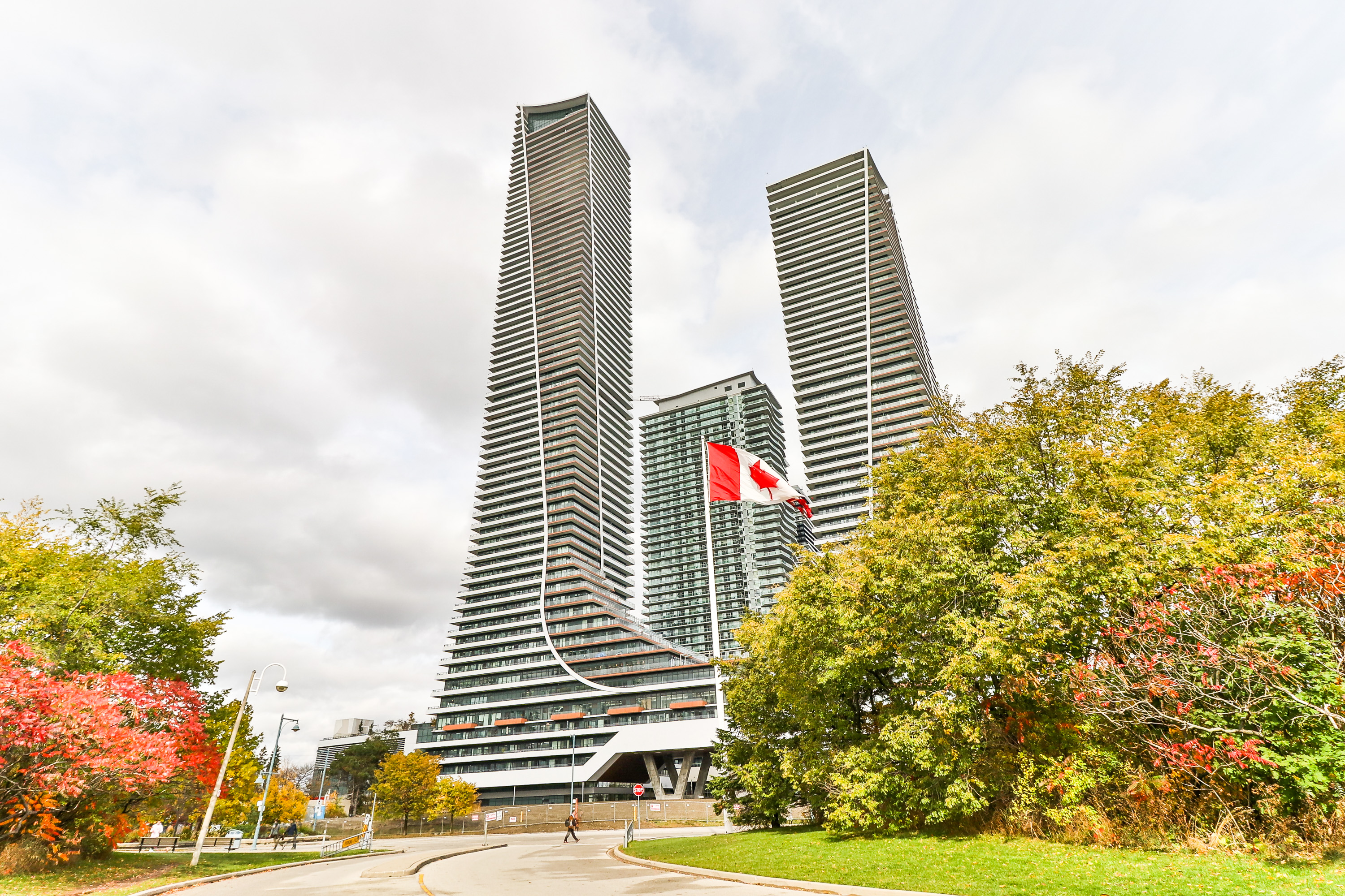 5906-30 Shore Breeze Dr, Toronto