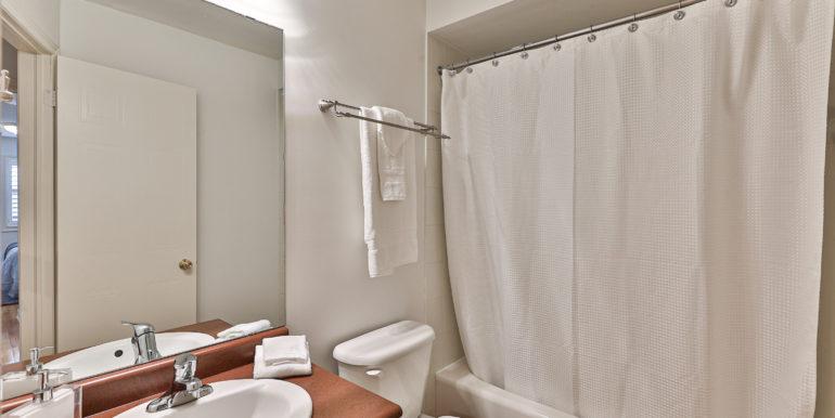 37_Bathroom