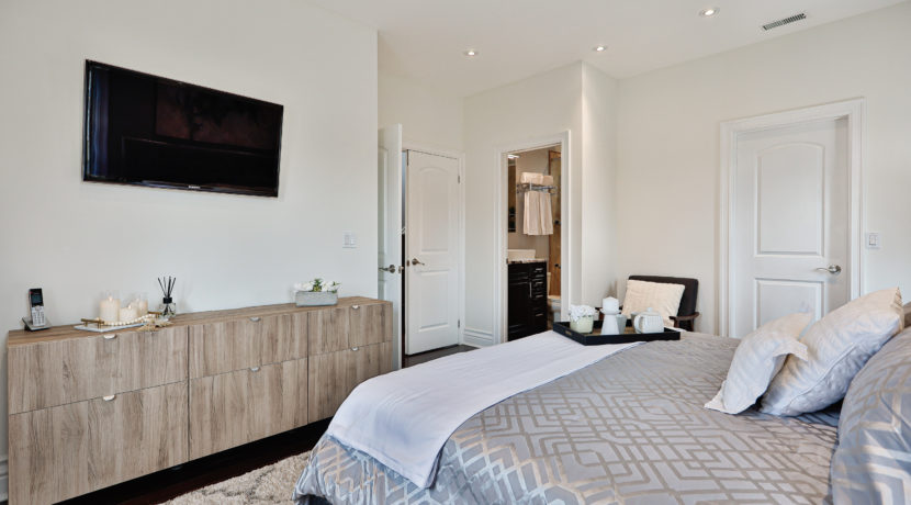 22_Master Bedroom
