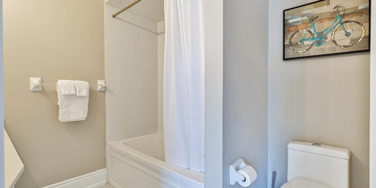 42_Bathroom