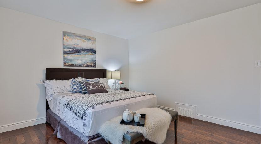 21_Master Bedroom