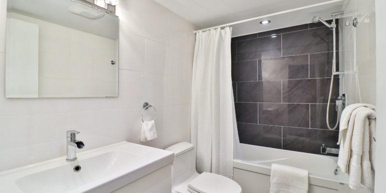 33_Second Bathroom