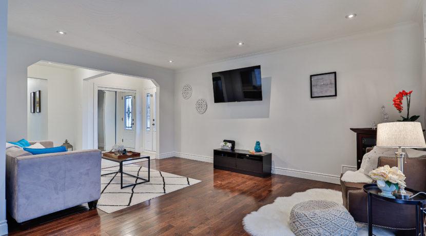 9_Living Room